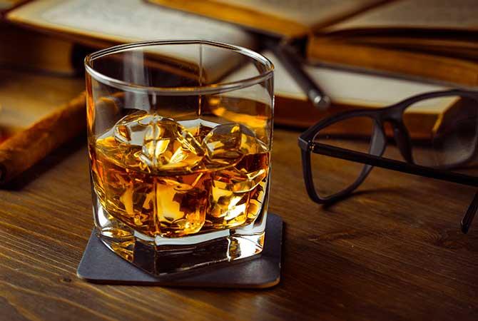 Origin of Whiskey, alcohol, drinking, Irish origins, drinks Whiskey, Whisky