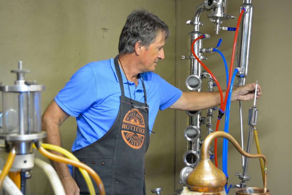 gin tasting Rottcher, Gin tasting, gin distilleries, South Africa, origin of gin,